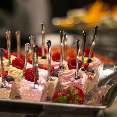 what to put on a dessert table desset table tips 16 ideas to your a success