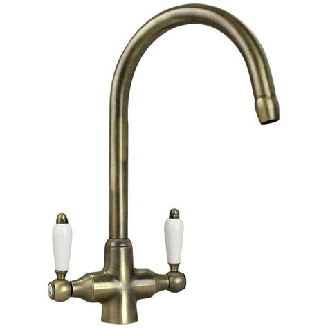 kitchen sink and taps 11869