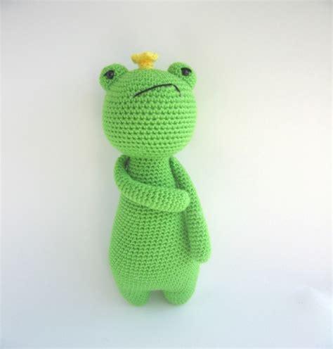 amigurumi pattern frog king frog amigurumi pattern amigurumipatterns net