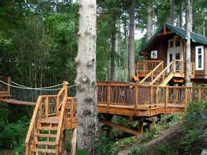 Treehouses Eureka Springs - 10 of the wildest tree house locations