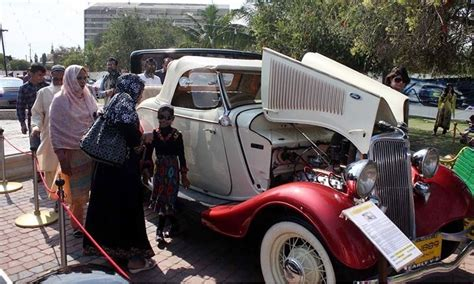 roll royce pakistan quaid s rolls royce among vintage cars pulling crowds at
