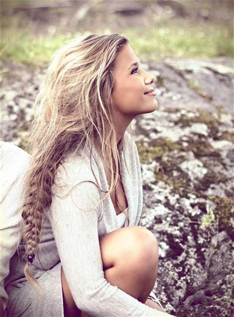 bohemian hairstlyes for opder women 15 loose braided hairstyles for a boho chic look boho