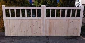 Double Wooden Gates Photos