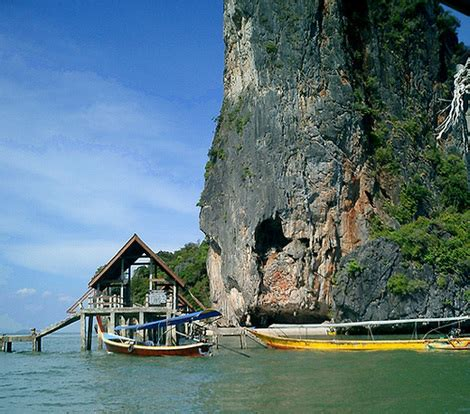 fast boat in thailand taking the phi phi island speed boat tour cheap fun