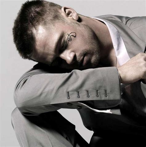 brad pitt tattoo brad pitt tattoos and meanings pictures to pin on