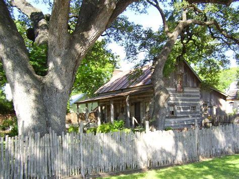 fredericksburg tx log cabin possible guest cabins