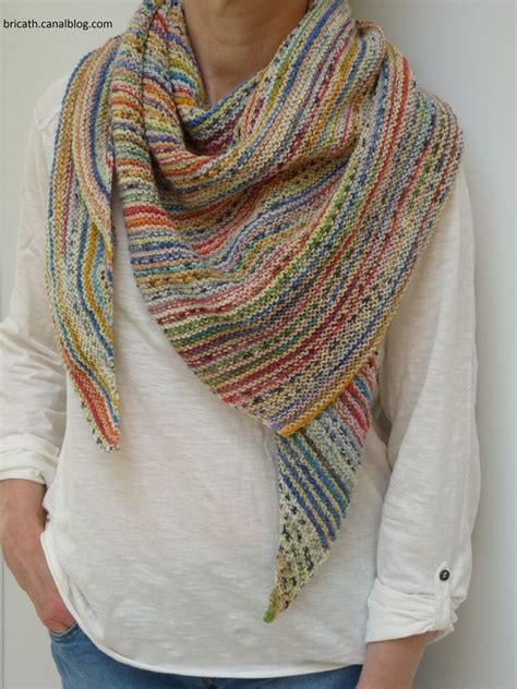 knitted scarf patterns using sock yarn in another language but a and a light skein of sock