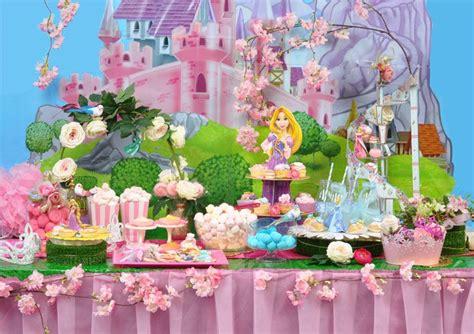 tavola apparecchiata per buffet tavola buffet principesse disney wimipops