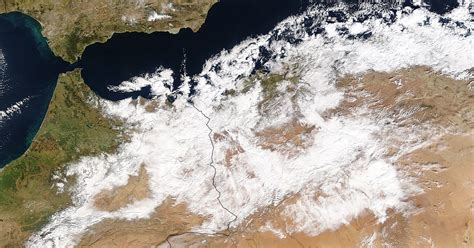 snow in sahara desert snowfall in the sahara snopes com