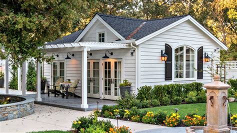 small cottage charming soothing feel luxury cottage home small home