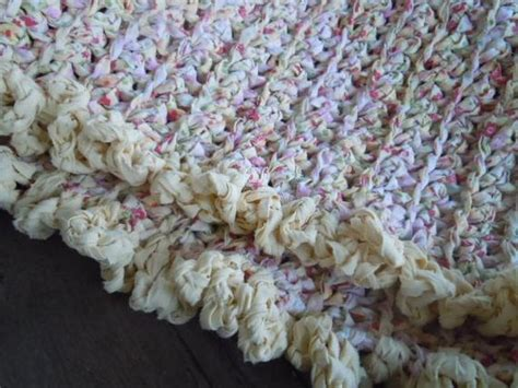 shabby chic rag rug rag rug shabby chic farmhouse strawberry bliss cottage style