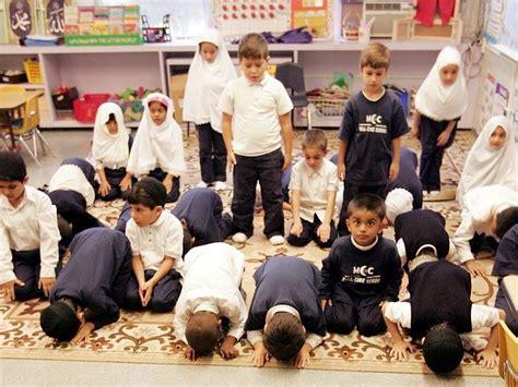 u s fears islamic state is making serious inroads in libya reuters geller huffington post says muslim kids fear deportation