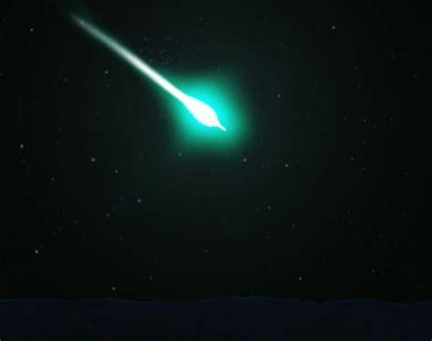 bright light in sky last night meteorite above us dazzles in night sky over 7 states