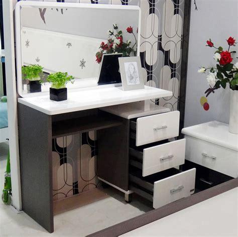 Terbaru Rak Kosmetik Cermin meja rias minimalis model terbaru 2017 desain rumah