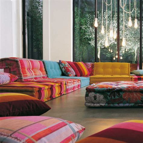 Floor Cushions Decor Ideas by Picture Of Using Floor Pillows In Interior Decorating