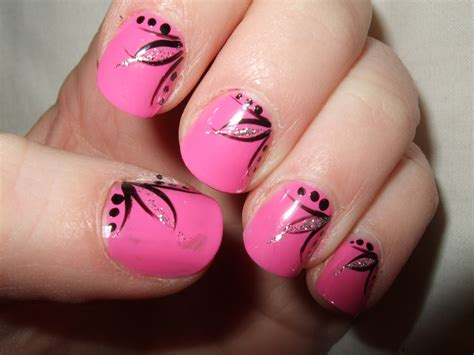 easy clean up nail art 5 simple and popular nail art designs