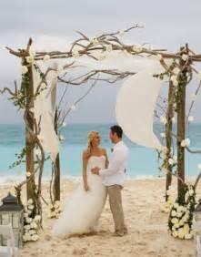 Decorating A Trellis For A Wedding Rustic Beach Wedding D 233 Cor Ideas Beach Wedding Tips