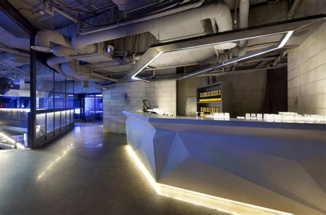 club octagon urbantainer archdaily