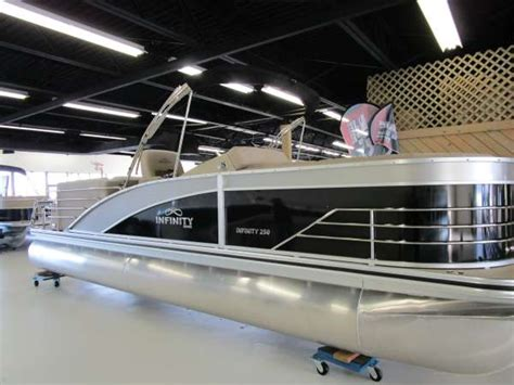 boats for sale in waterford michigan lowe infinity 250 rfl boats for sale in waterford michigan