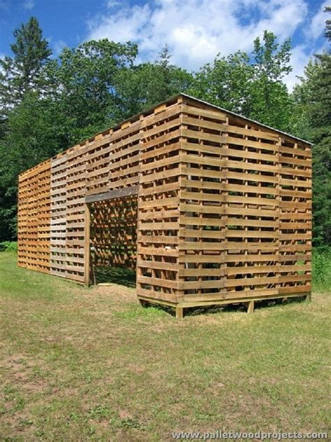 Wood Pallet Garden Shed by Wood Pallet Projects For Garden Pallet Wood Projects