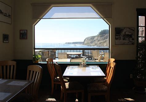 pier chowder house tap room pier chowder house and tap room point arena 187 101 things to do mendocino