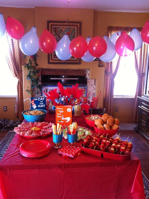 Balloon decorating without spending a ton on helium homecoming pinterest decor and