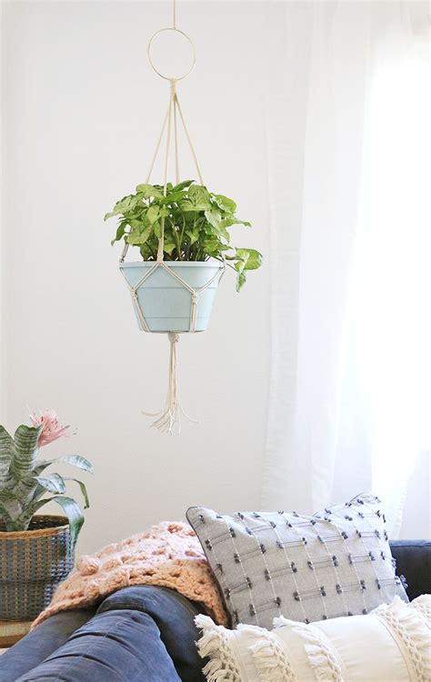 How To Make A Macrame Plant Hanger Easy - simple diy macrame plant hanger lou