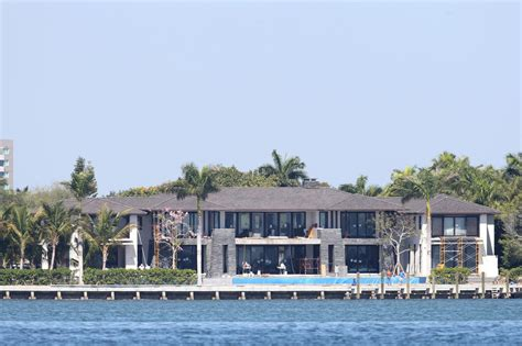 Kournikova Got Owned by Biscayne Mansion Owned By Kournikova And Enrique