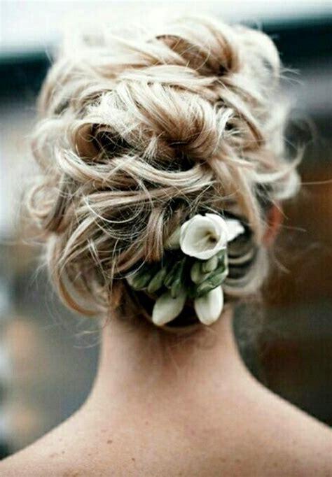 bridal hairstyles messy bun bride s messy bun wedding hairstyle wedding hair styles