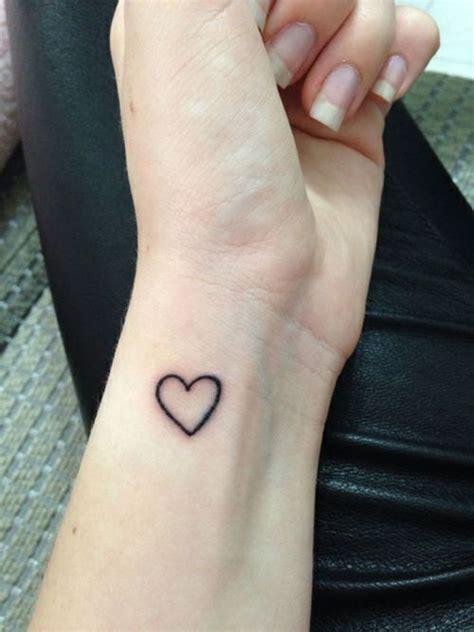 tattooed heart tumblr kalpli d 246 vme modelleri bakımlı kadın