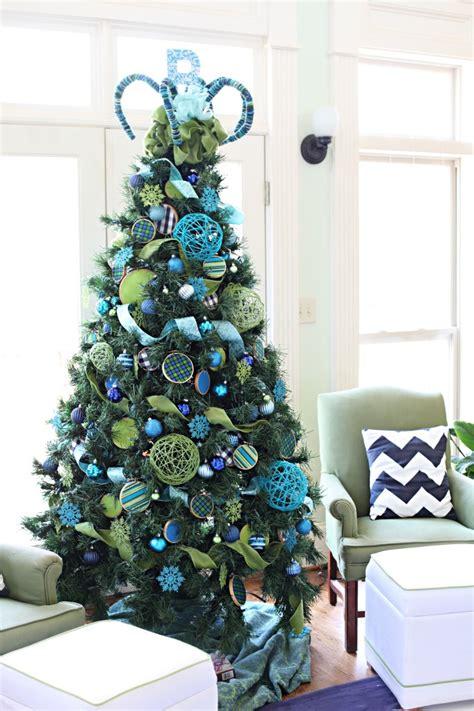 ideas de como decorar tu arbol de navidad en azul
