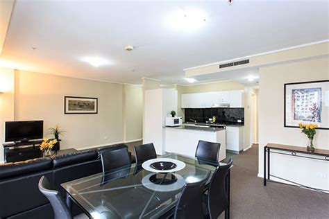 accommodation melbourne apartments 3 bedroom melbourne 3 bedroom apartments paramount serviced apartments melbourne