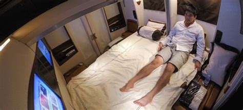 emirates q class what it s like to fly the 23 000 singapore airlines