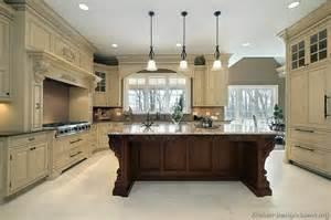 Impressive two tone kitchen cabiideas 800 x 533 183 76 kb 183 jpeg