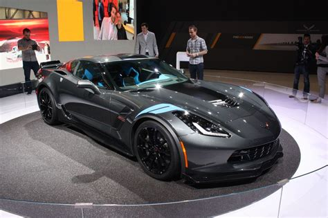 picture of a corvette stingray 2017 chevrolet corvette grand sport is a stingray with z06