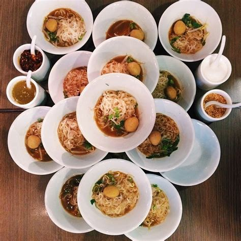 boat noodle 6 super cheap boat noodles served in mini bowls for you to