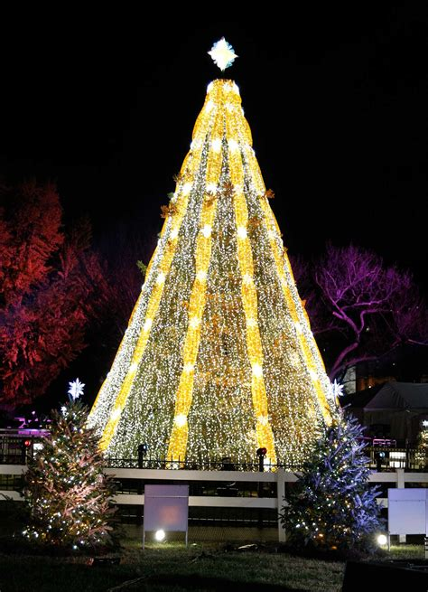 visiting national christmas tree at night ge sets trees aglow connecticut post