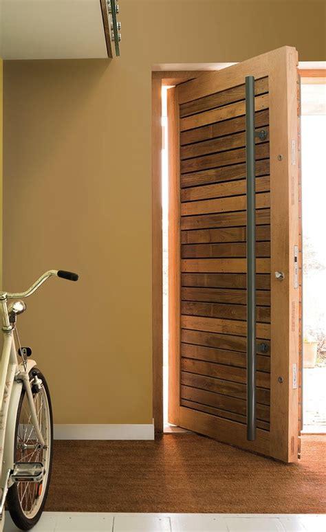 cin礬ma portes les valence porte entree maison bois ventana