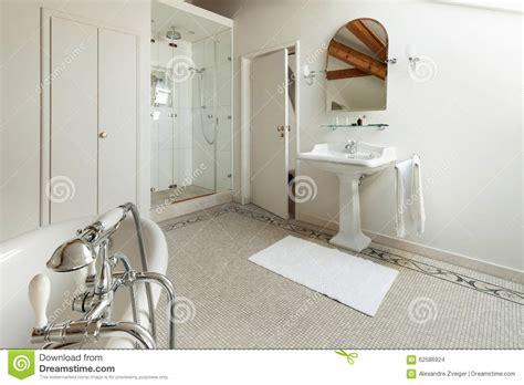 bagni classici di lusso bagni classici di lusso foto cool bagno con arredo tra il