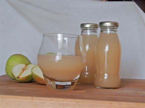 succo di frutta fatto in casa succo di frutta alla pera fatto in casa