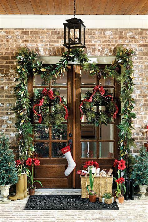 choose   size wreath front door christmas