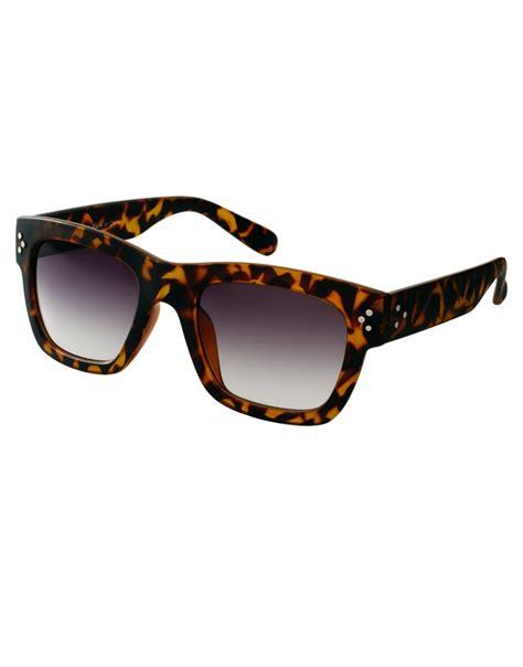 wayfarer matt chunky wayfarer sunglasses in matt tort