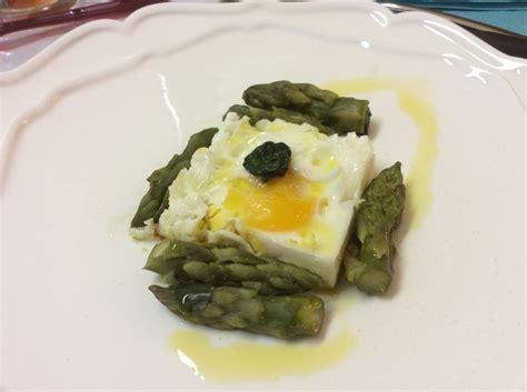 cucinare l uovo uovo e asparagi in mattonella cucinamaster le ricette