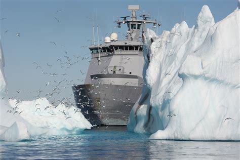 sinking boat icebreaker the magnificent evolution of polar icebreakers gizmodo