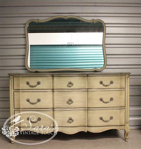 Davis Cabinet Company Dresser by Davis Cabinet Company Vintage Dresser With Mirror S