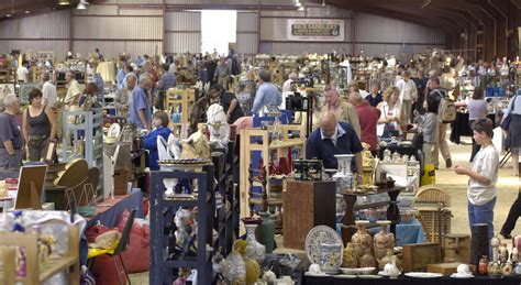 top 20 tips for visiting antique and vintage fairs antique collecting magazine