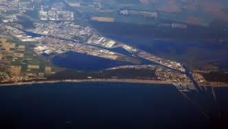 file seaport in ravenna italy jpg wikimedia commons
