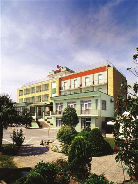 hotel porto recanati 3 stelle hotel ristorante porto recanati macerata