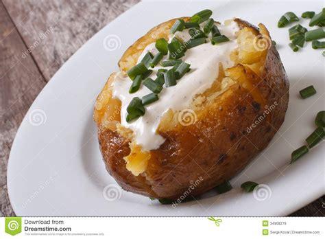 Recette De Bar Grillé by Baked Potato With Sour Royalty Free Stock Images