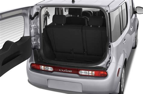 nissan cube inside 2012 nissan cube reviews and rating motor trend